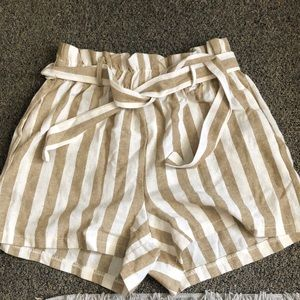 BOOHOO STRIPED SHORTS